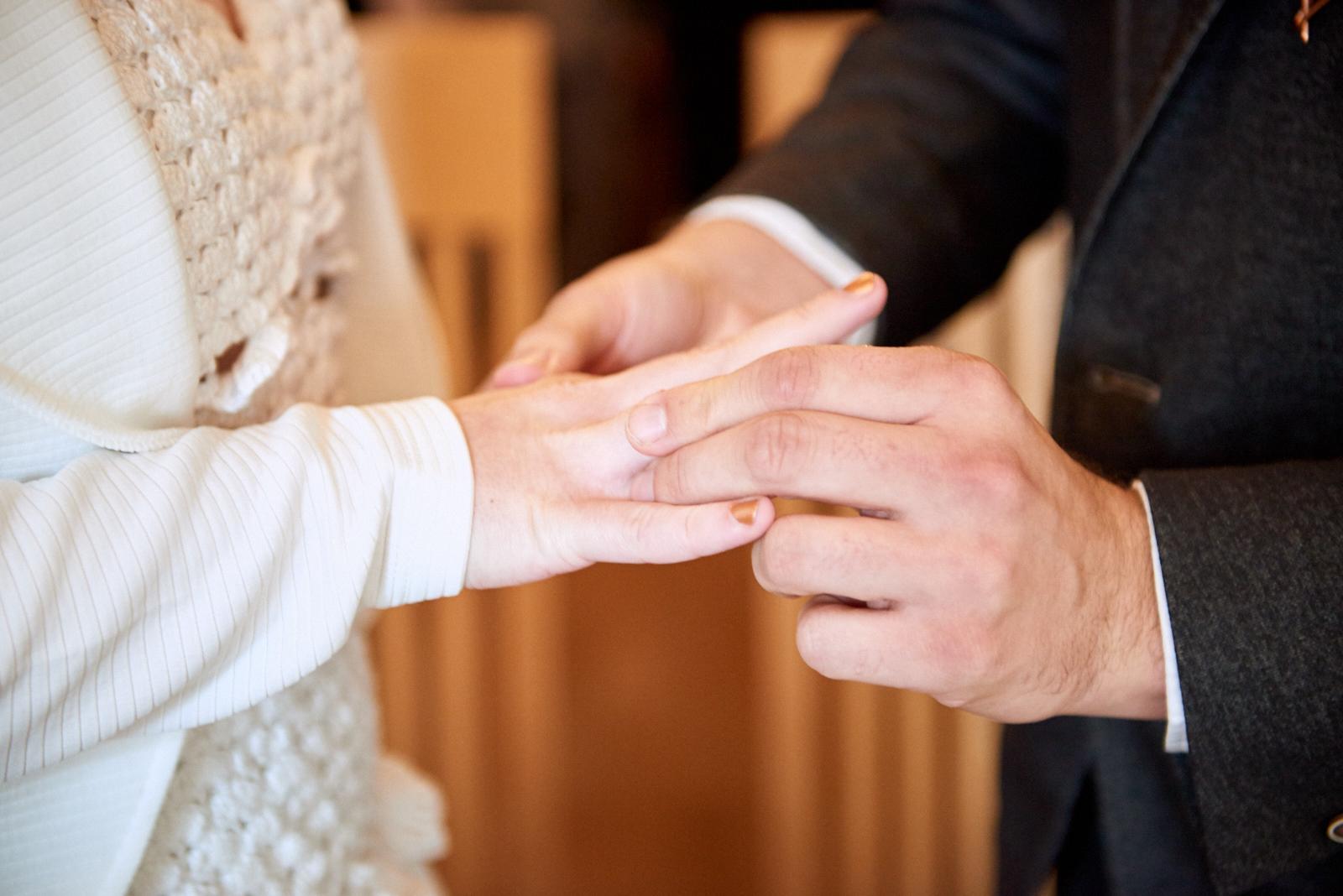 Hochzeit Grimma Fotograf Braut und Bräutigam Ringe